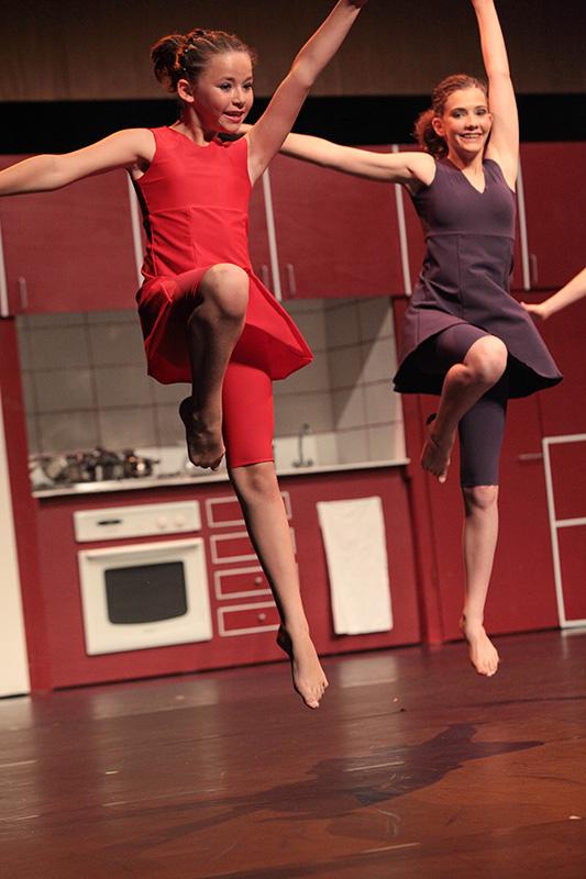 spectacle-danse-jazz-les-petits-pas-dans-les-plats-17