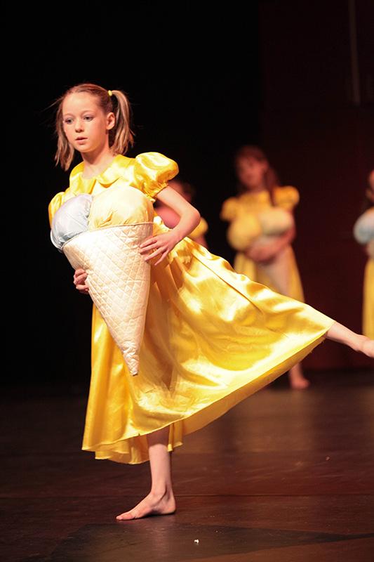 spectacle-danse-jazz-les-petits-pas-dans-les-plats-24